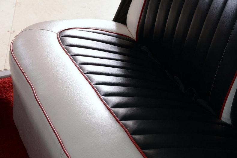1961 Cadillac Sedan deVille Image 16