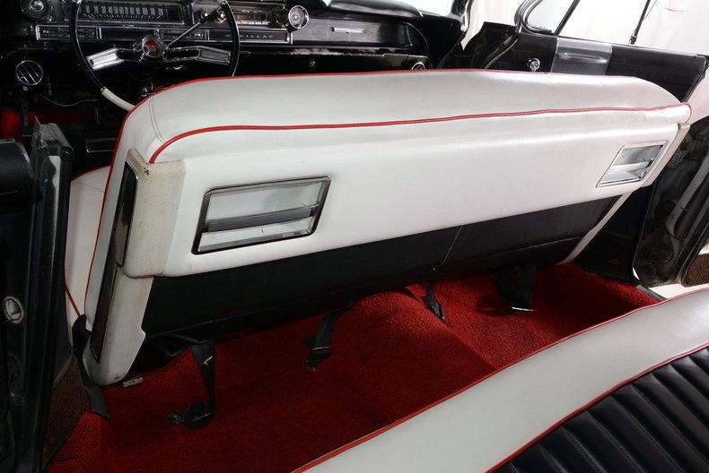 1961 Cadillac Sedan deVille Image 19