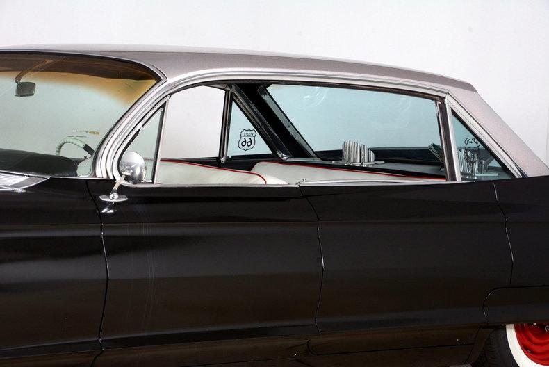 1961 Cadillac Sedan deVille Image 26
