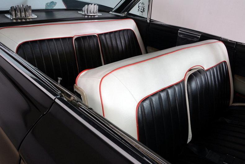 1961 Cadillac Sedan deVille Image 37
