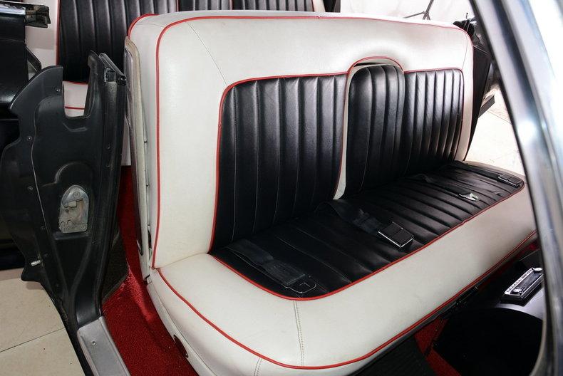 1961 Cadillac Sedan deVille Image 42