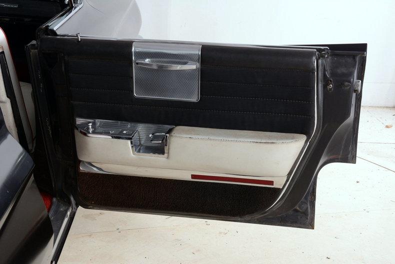 1961 Cadillac Sedan deVille Image 46
