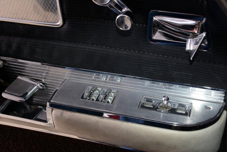 1961 Cadillac Sedan deVille Image 53