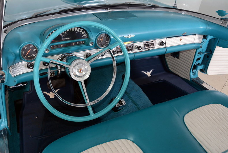 1956 Ford Thunderbird Image 11