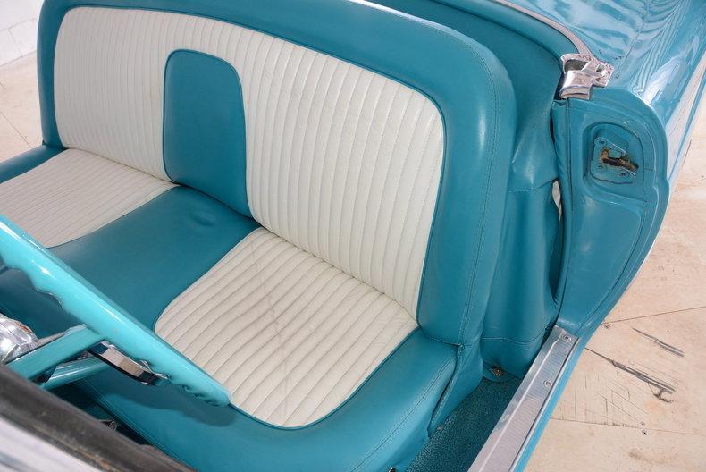 1956 Ford Thunderbird Image 14