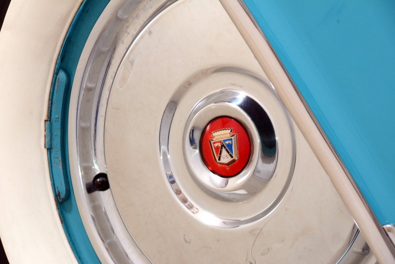 1956 Ford Thunderbird Image 16