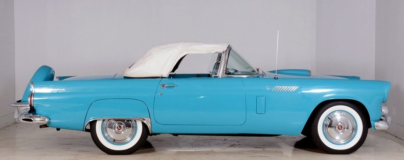 1956 Ford Thunderbird Image 17