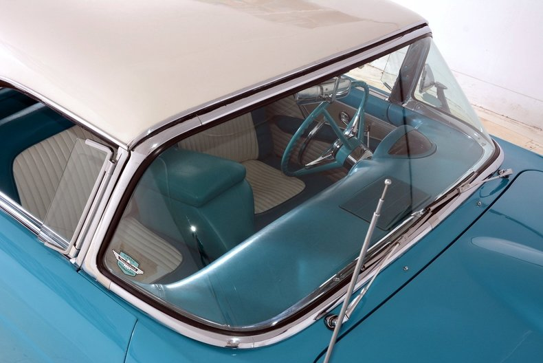 1956 Ford Thunderbird Image 23
