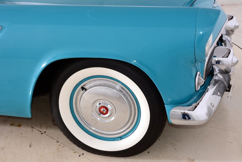 1956 Ford Thunderbird Image 24