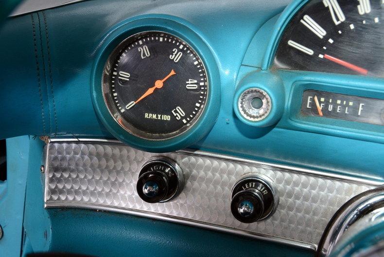 1956 Ford Thunderbird Image 31