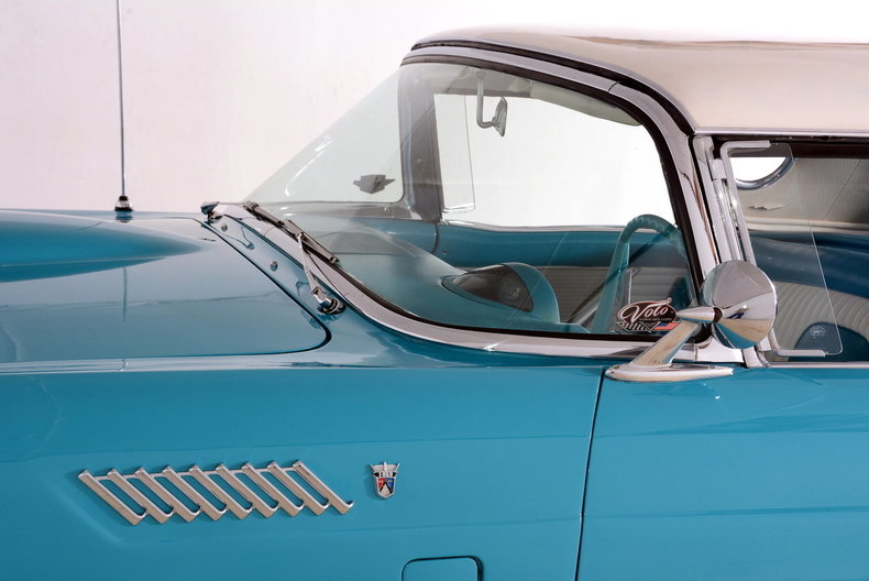 1956 Ford Thunderbird Image 34