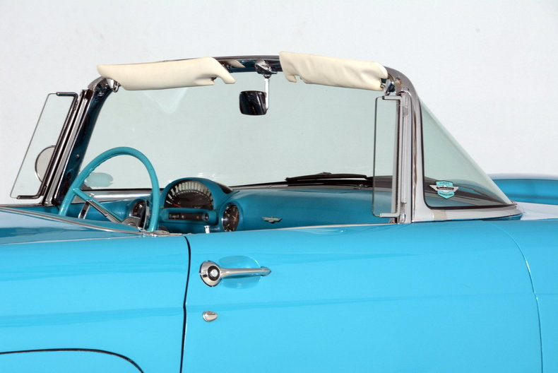 1956 Ford Thunderbird Image 67