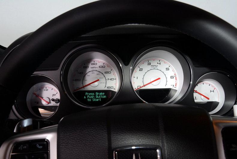2012 Dodge Challenger R/T Image 2