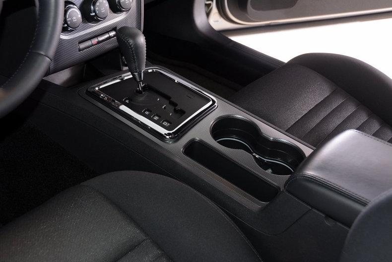 2012 Dodge Challenger R/T Image 8