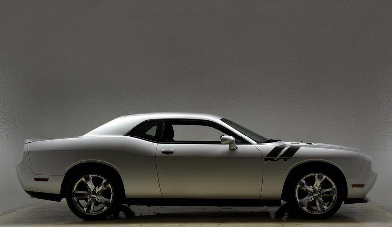 2012 Dodge Challenger R/T Image 9