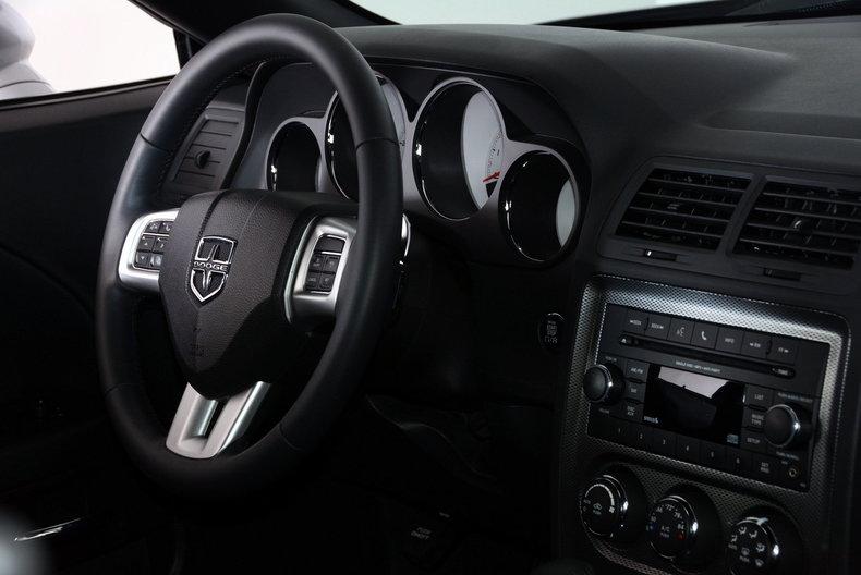 2012 Dodge Challenger R/T Image 10
