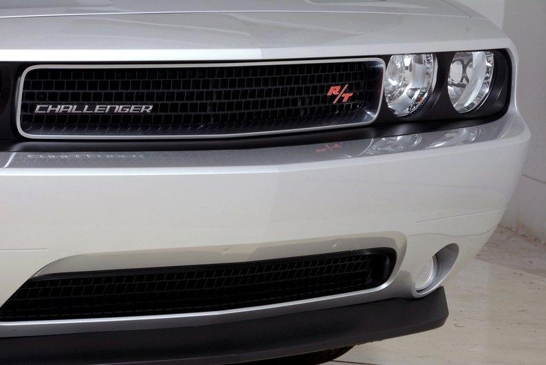 2012 Dodge Challenger R/T Image 11