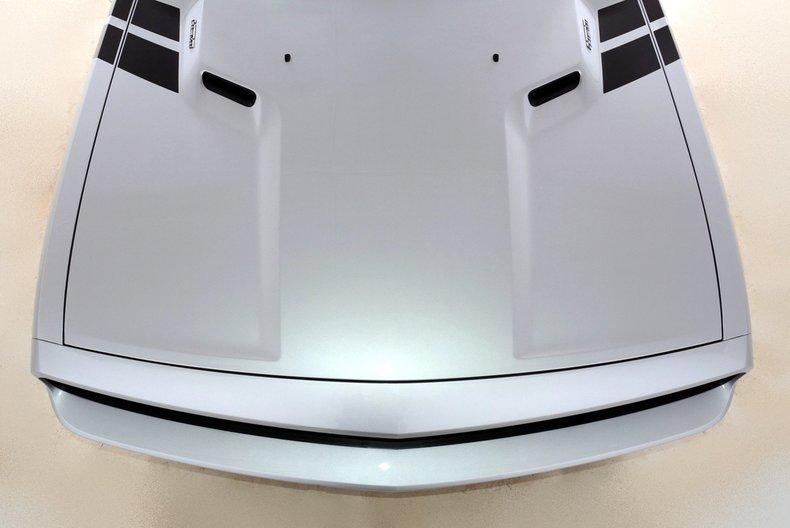 2012 Dodge Challenger R/T Image 13