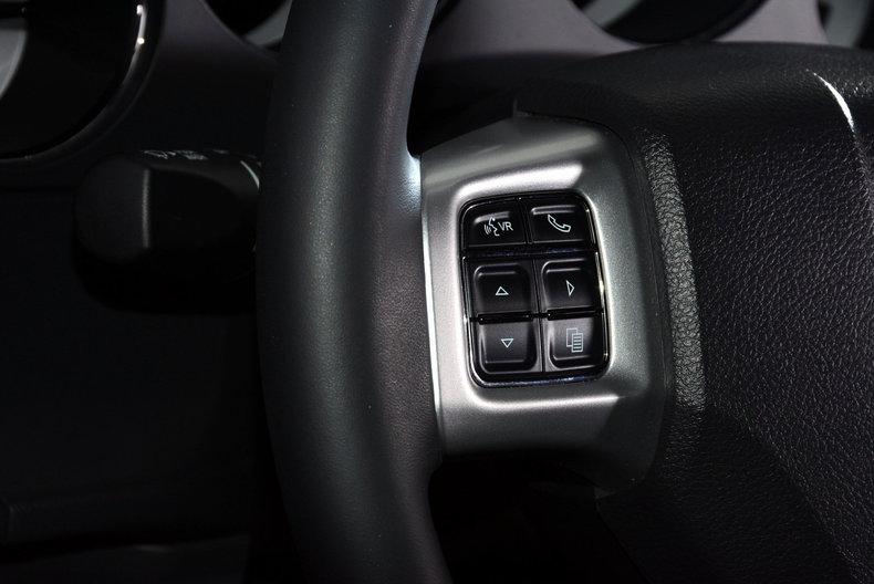 2012 Dodge Challenger R/T Image 14
