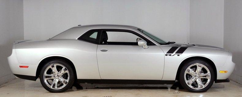 2012 Dodge Challenger R/T Image 17