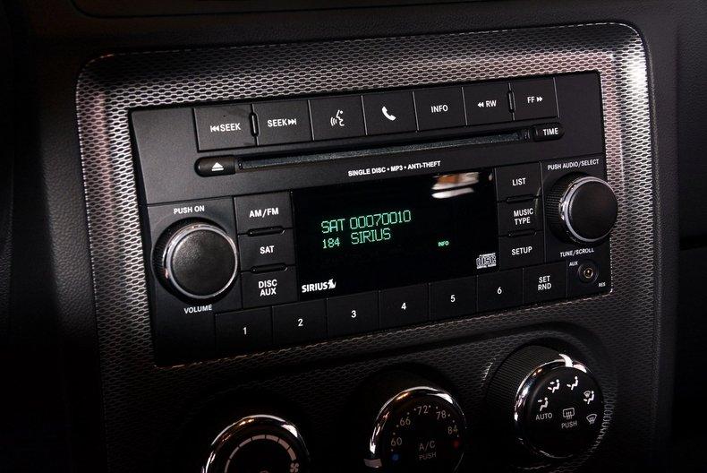 2012 Dodge Challenger R/T Image 18