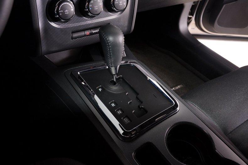 2012 Dodge Challenger R/T Image 20