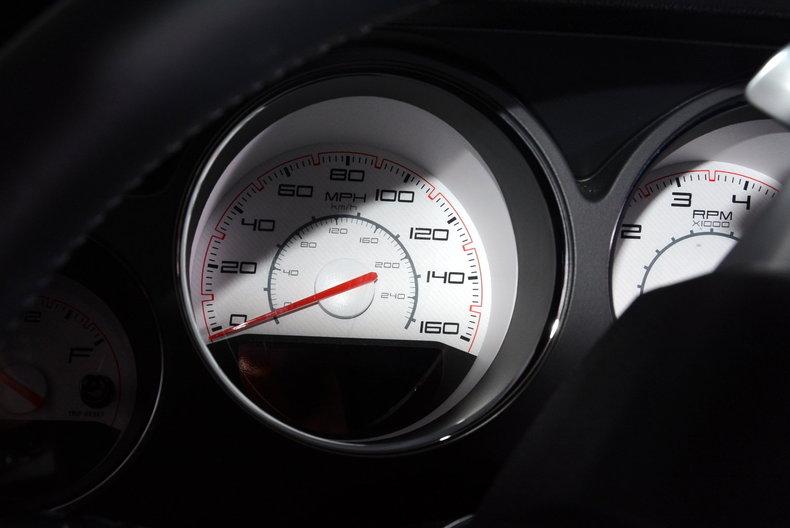 2012 Dodge Challenger R/T Image 22