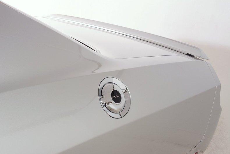 2012 Dodge Challenger R/T Image 27