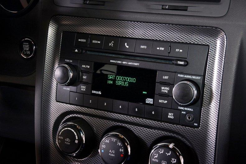 2012 Dodge Challenger R/T Image 37