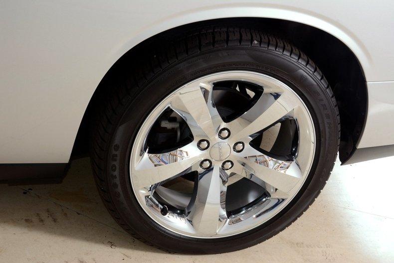2012 Dodge Challenger R/T Image 40