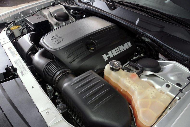 2012 Dodge Challenger R/T Image 76