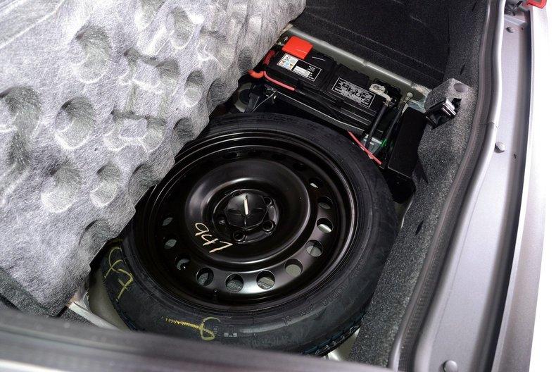 2012 Dodge Challenger R/T Image 83