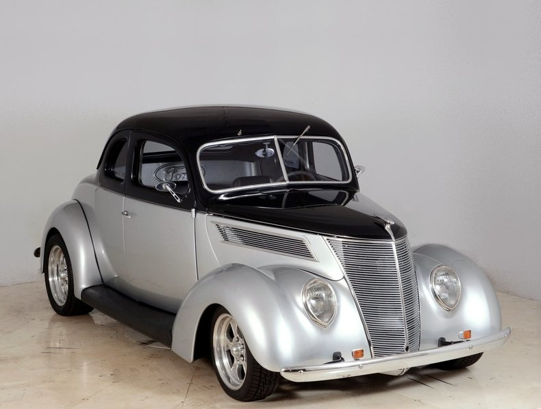 1937 Ford Deluxe Image 83