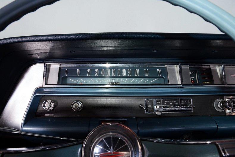 1963 Oldsmobile Dynamic 88 Image 2