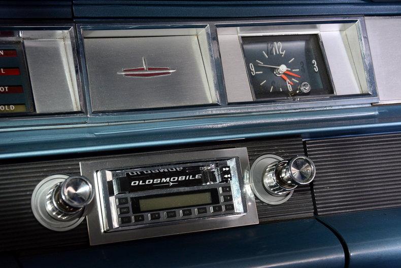 1963 Oldsmobile Dynamic 88 Image 23