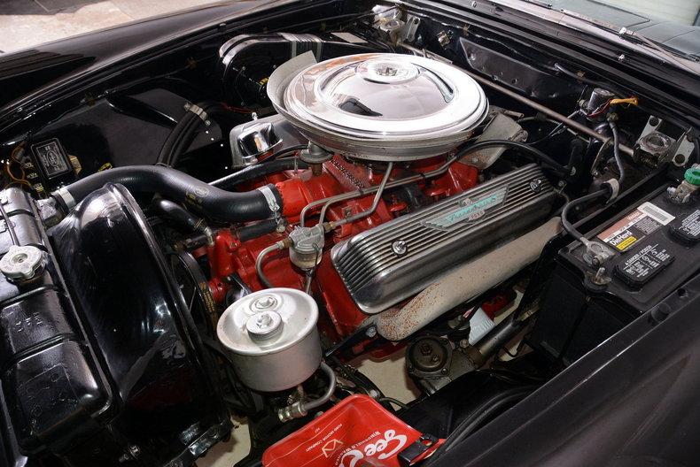 1957 Ford Thunderbird Image 4