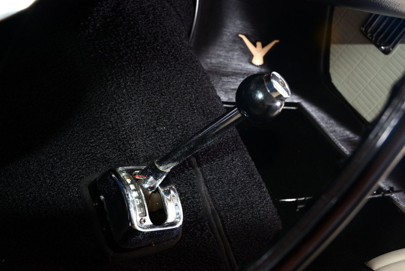 1957 Ford Thunderbird Image 34