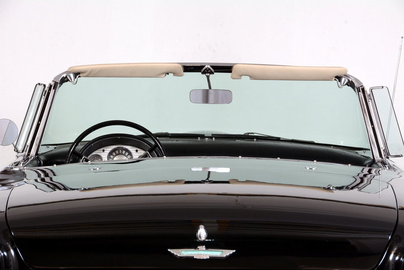 1957 Ford Thunderbird Image 52