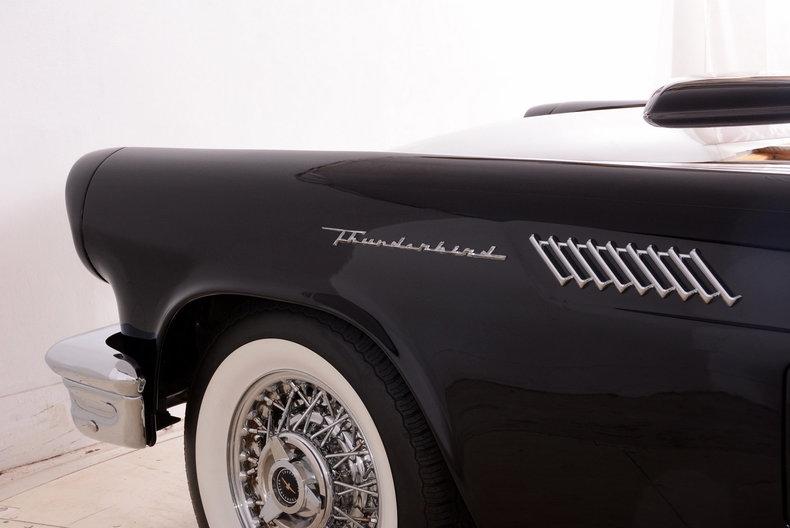 1957 Ford Thunderbird Image 58