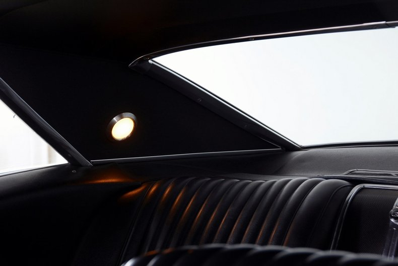 1967 Buick Riviera Image 12