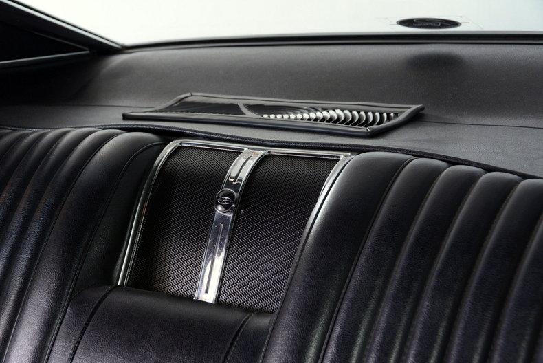 1967 Buick Riviera Image 14