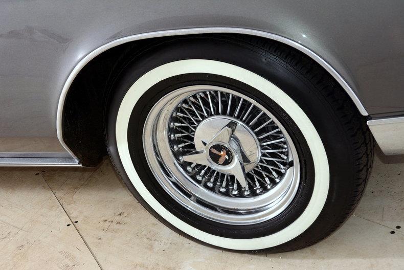1967 Buick Riviera Image 22
