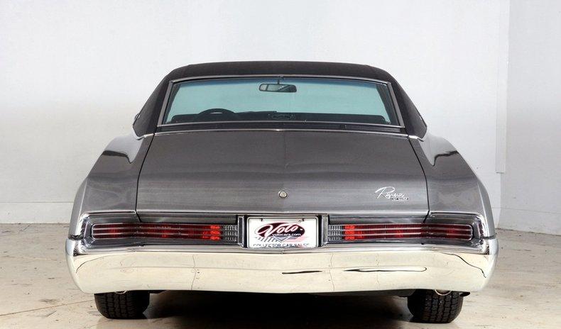 1967 Buick Riviera Image 25