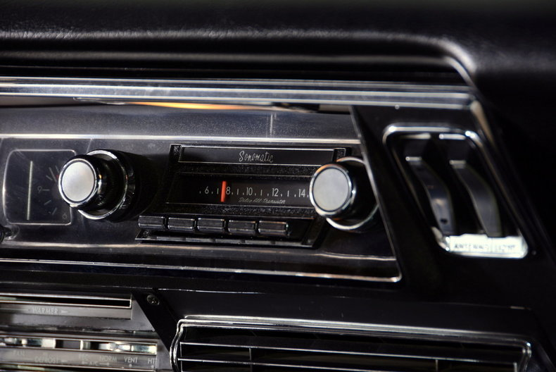 1967 Buick Riviera Image 38