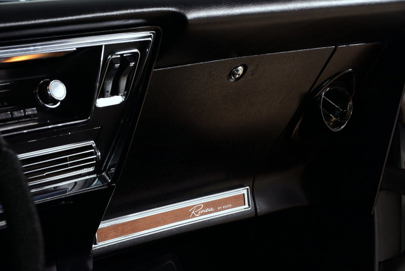 1967 Buick Riviera Image 44