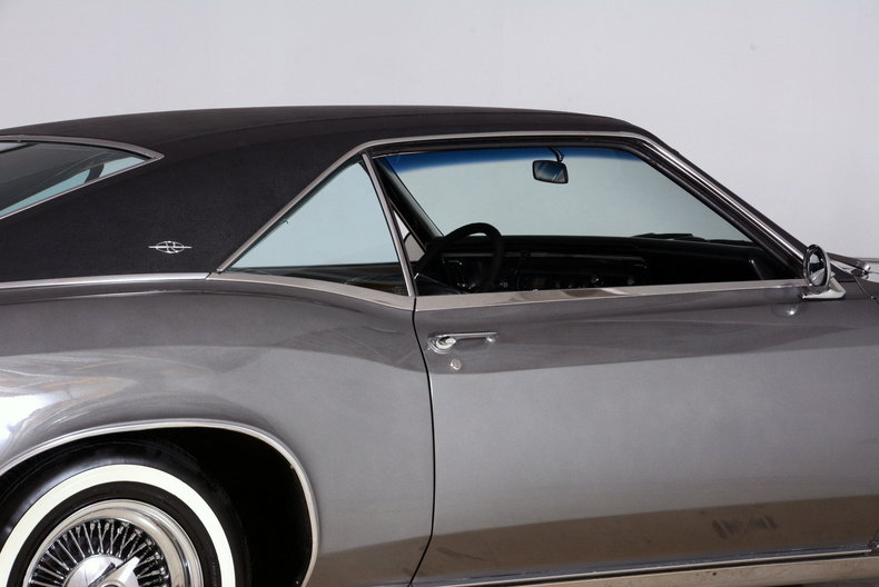 1967 Buick Riviera Image 52