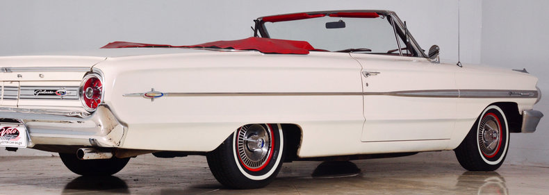 1964 Ford Galaxie 500XL Image 28