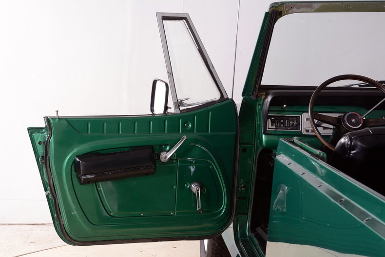 1972 Jeep Commando Image 38