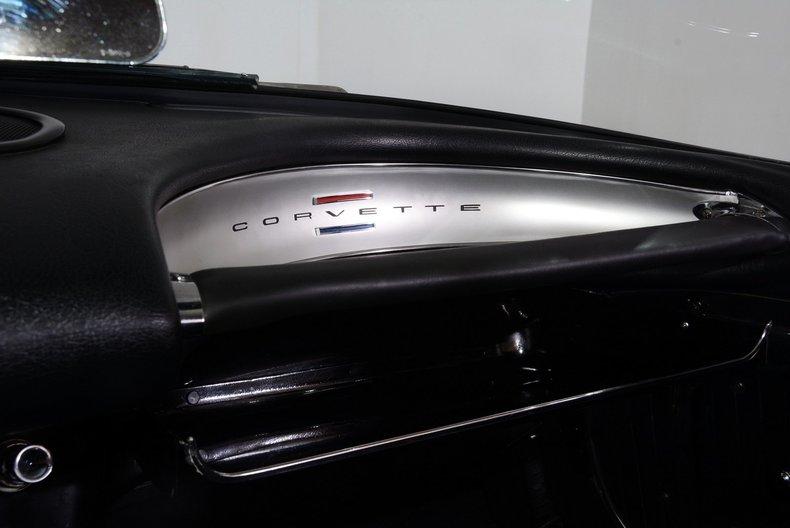 1962 Chevrolet Corvette Image 15