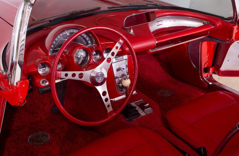 1961 Chevrolet Corvette Image 2